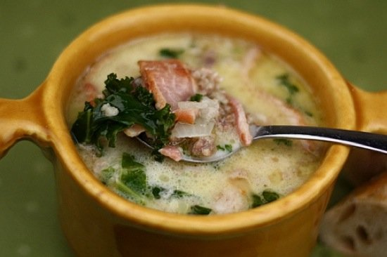Zuppa Toscana Soup with Bacon Chunks in Soup Bowl