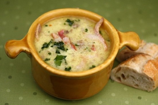 Zuppa Toscana with Crusty Bread in Soup Bowl
