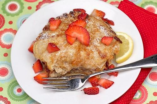 Amazing Lemon Cottage Cheese Pancakes With Strawberries