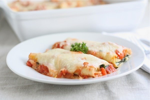 plate of stuffed cannelloni