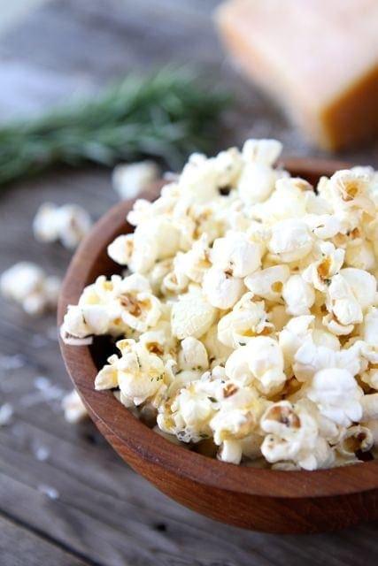 Garlic-Rosemary-Parmesan-Popcorn1