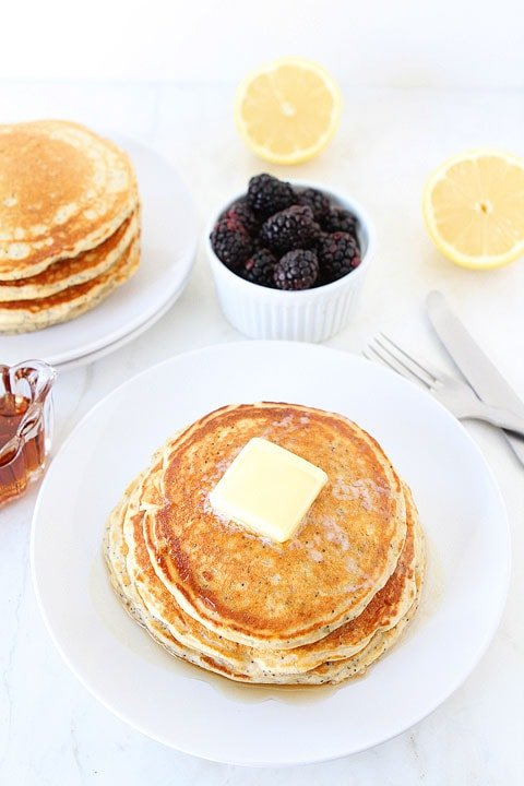 Lemon-Poppy-seed-Yogurt-Pancakes-2