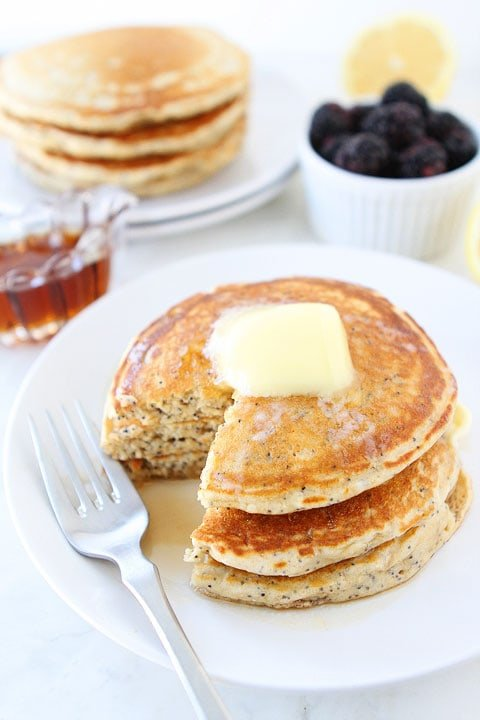 Lemon-Poppy-Seed-Yogurt-Pancakes-4