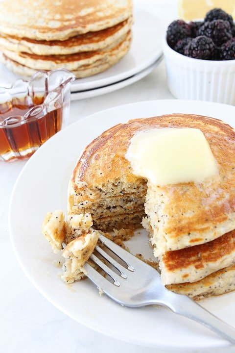 Lemon-Poppy-Seed-Yogurt-Pancakes-5