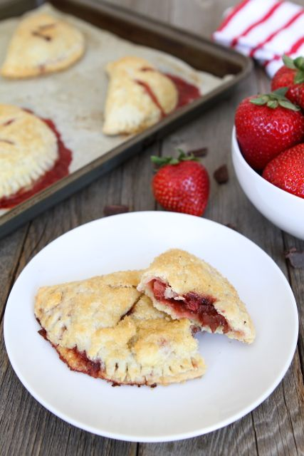 strawberry-dark-chocolate-hand-pies2