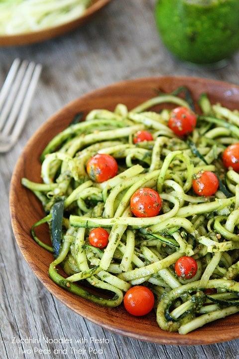 Zucchini Pasta with pesto and tomatoes