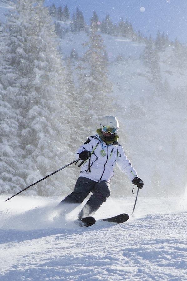 Josh-skiing-snowbird