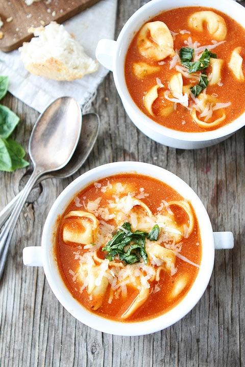 Creamy-Tomato-Tortellni-Soup-4