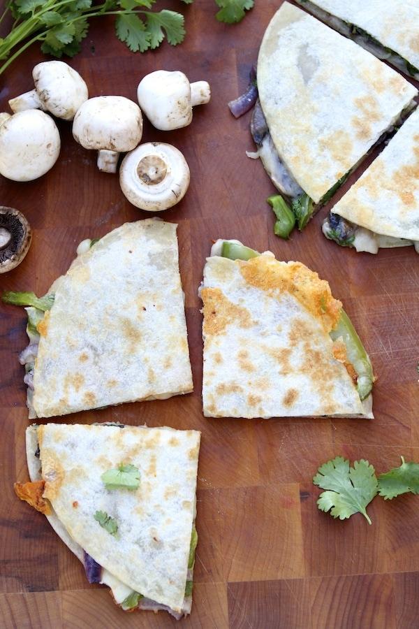 Fajita Quesadilla Recipe on twopeasandtheirpod.com Love this easy and healthy meal!