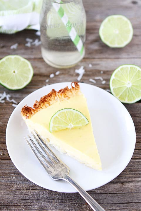 Key Lime Pie with Coconut Macaroon Crust Recipe on twopeasandtheirpod.com. LOVE this key lime pie!