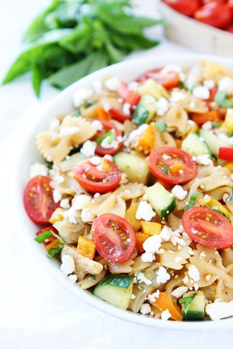 Easy Summer Pasta Salad Recipe on twopeasandtheirpod.com The perfect pasta salad for summertime! #salad #vegetarian