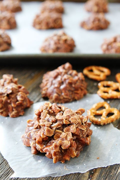 No Bake Chocolate Cookies with pretzels and sea salt