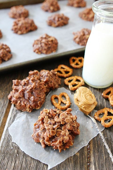 How to make No Bake Cookies with Peanut Butter and Pretzels