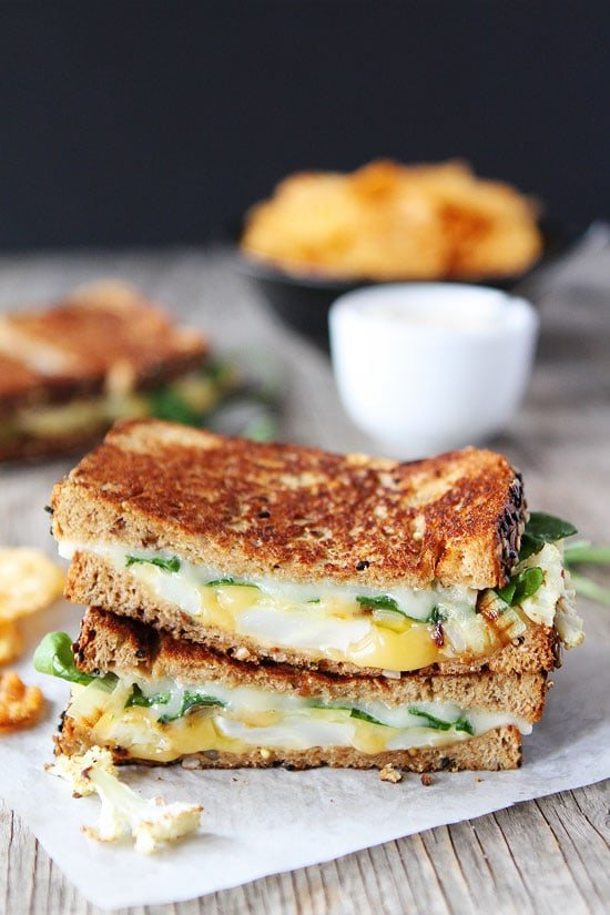 Roasted Cauliflower Grilled Cheese Sandwich- quick and easy dinner recipes