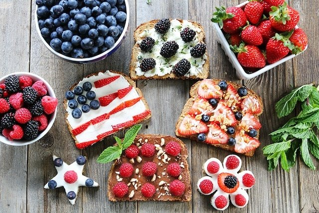Berry Toasts-4