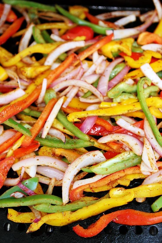 How to make steak fajitas with onions and peppers