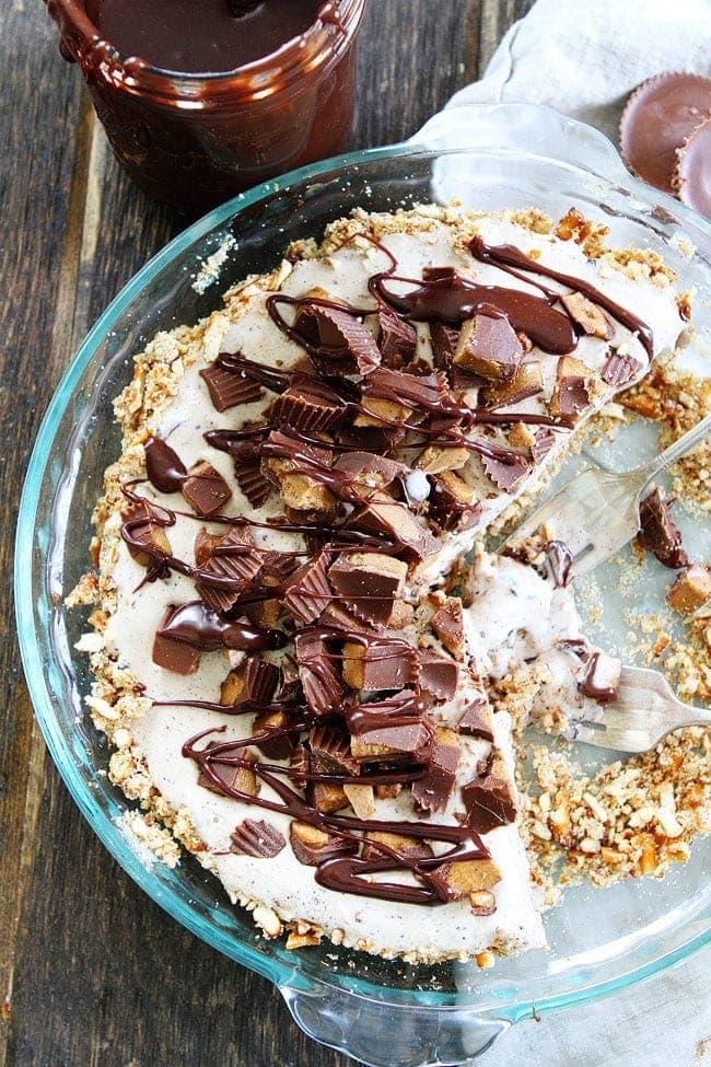 Peanut-Butter-Pretzel-Ice-Cream-Pie-9