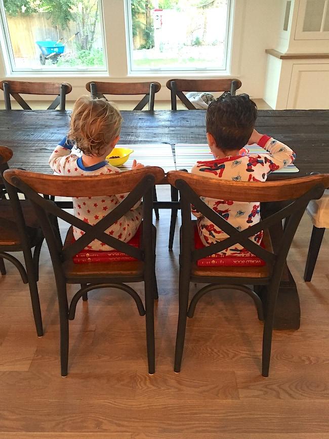 boys-table