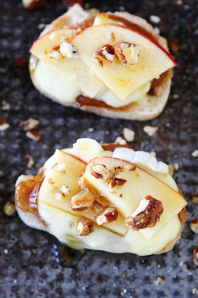 Brie, Apple, and Honey Crostini Recipe