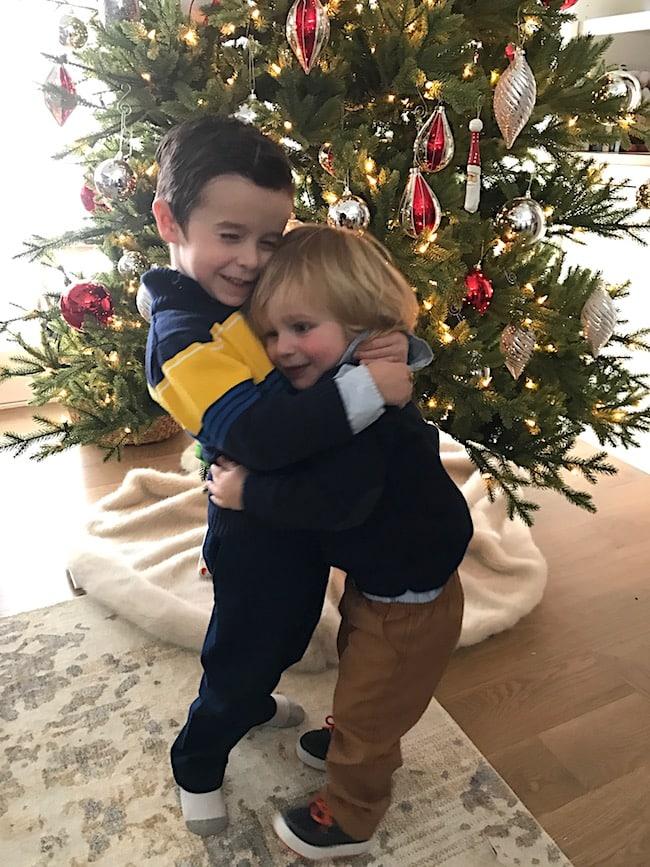 christmas-hugs