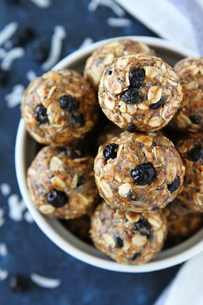 Blueberry Coconut Energy Bites are no-bake and a great healthy snack for kids and adults! #energybites #vegetarian #glutenfree
