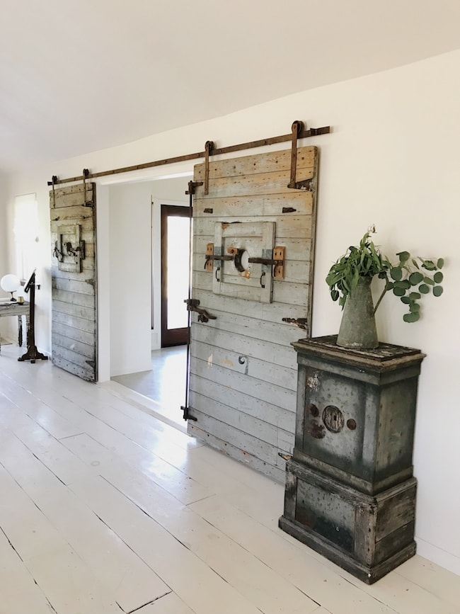 The Vintage Round Top barn doors