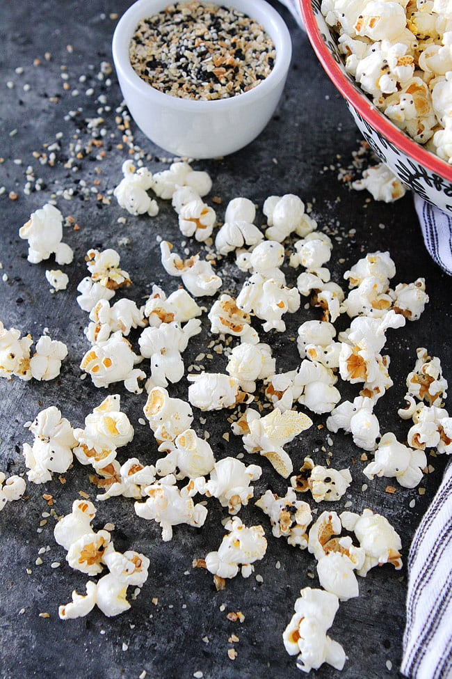 Everything Bagel Popcorn is an easy gluten free snack for movie night, parties, game day, or every day snacking!