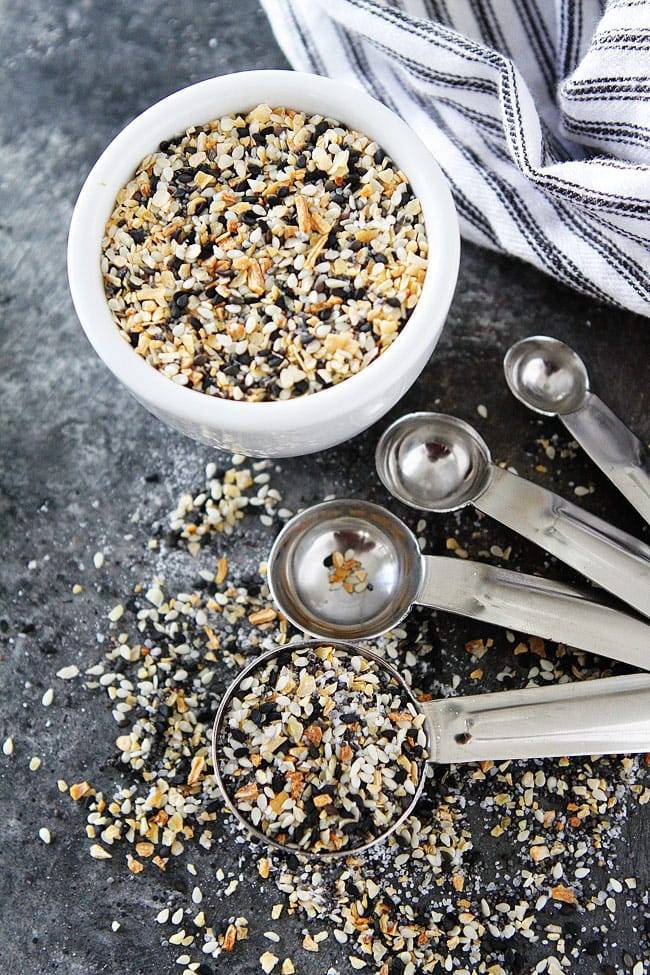 How to make Everything Bagel Seasoning at home. It only takes 5 minutes!