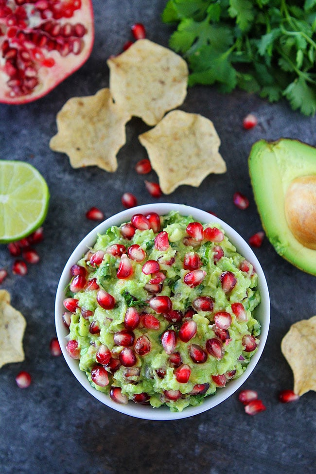 Pomegranate Guacamole-homemade guacamole with pomegranate arils is the perfect holiday appetizer!