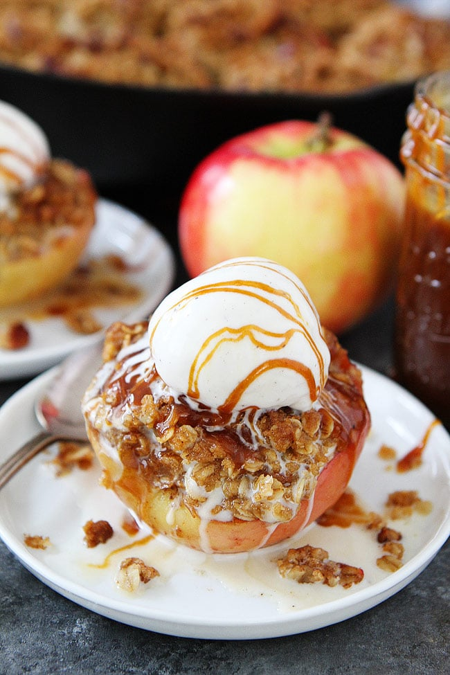 Baked Apples with brown butter cinnamon streusel topping are a favorite fall dessert. Serve warm with vanilla ice cream and a drizzle of salted caramel sauce! #apple #dessert #Thanksgiving #fall