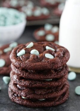 Chocolate Mint Chip Cookies are rich, chocolate cookies with mint chocolate chips! Great cookie for Christmas or any day! #cookies #chocolate #mint #Christmascookies