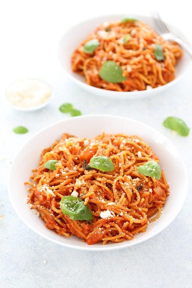 Easy Pasta Pomodoro