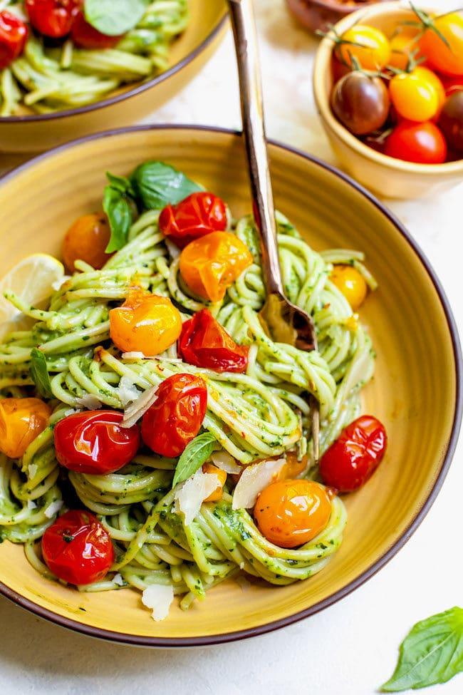 Easy Avocado Pesto Pasta