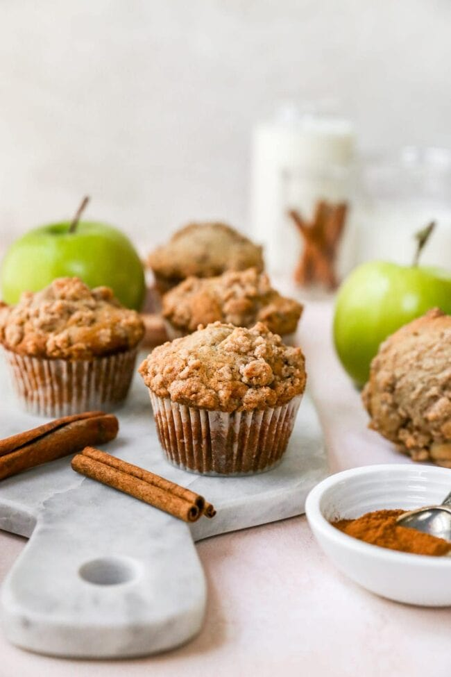 Apple Cinnamon Muffins with crumb topping