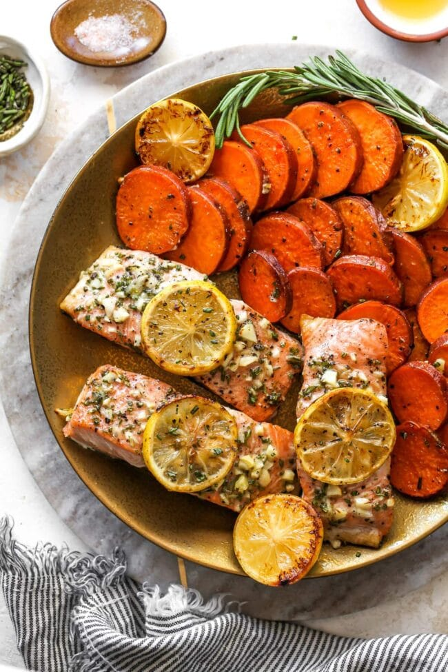 honey rosemary baked salmon fillets with sweet potatoes