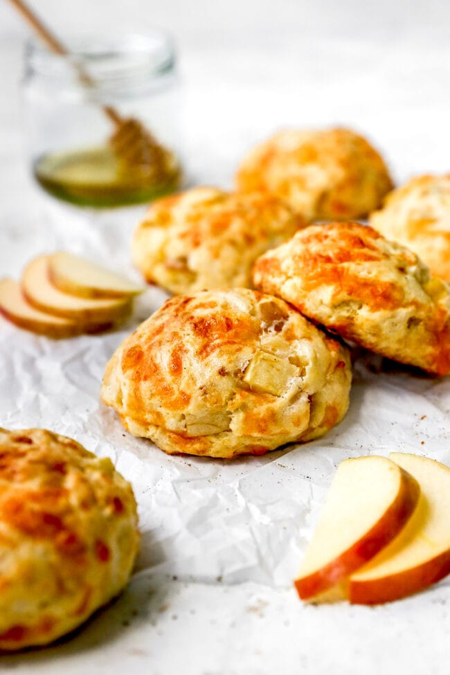 easy apple cheddar biscuits