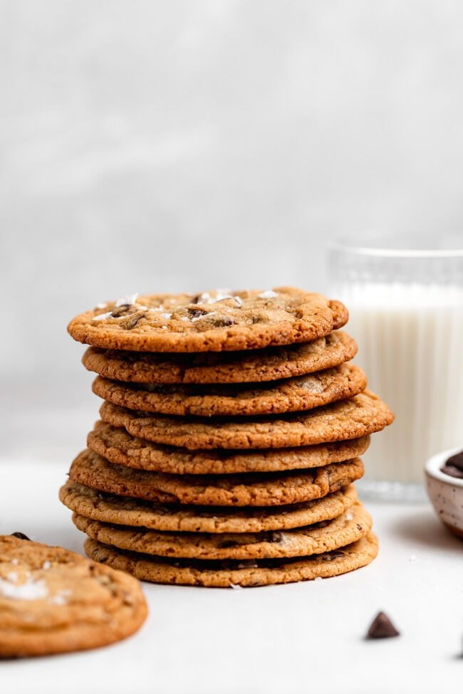 stack of crispy chocolate chip cookies