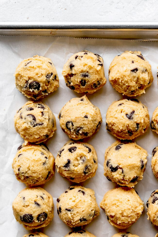 pudding chocolate chip cookie dough scooped on tray
