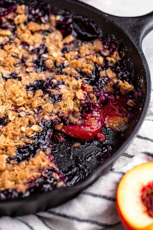 easy blueberry peach crumble